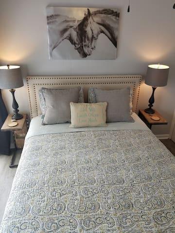 Second bedroom queen size