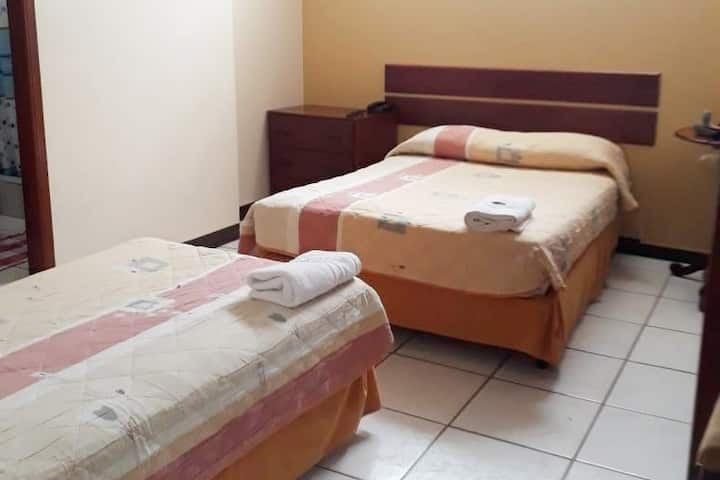 Saloah Hostal (suite 2 beds)