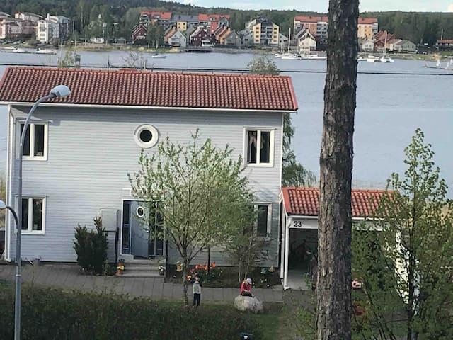 Unikt hus med oslagbar utsikt mot havet