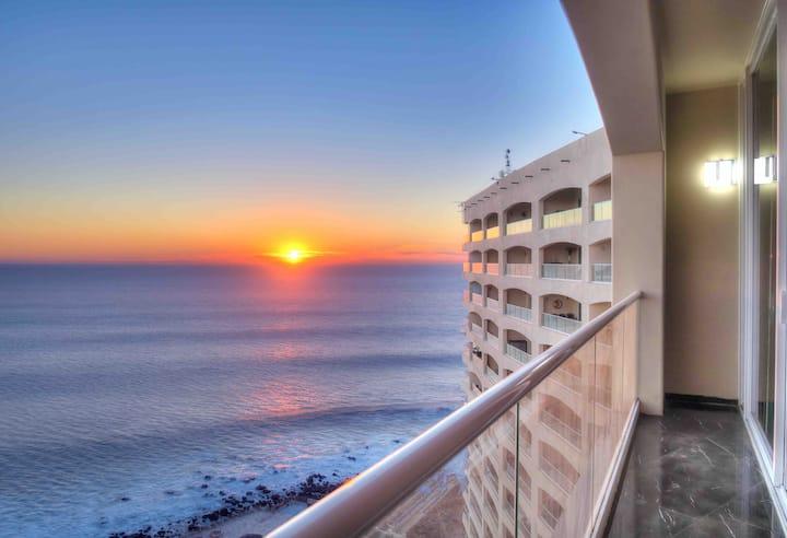 Breathtaking Ocean front condo in Rosarito