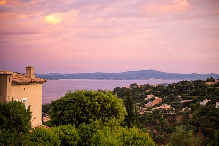 Traum-Ferienhaus in St-Tropez-Bucht mit Meerblick