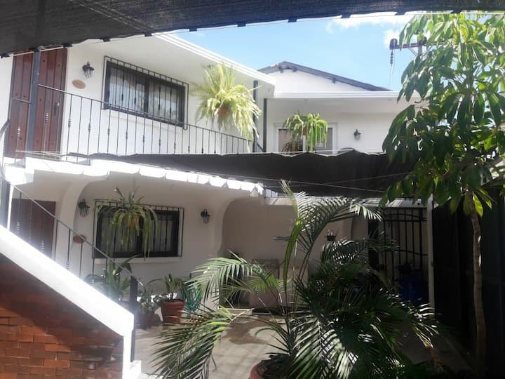 "Apartamento ""PAROS"", Calle Principal Panajachel"