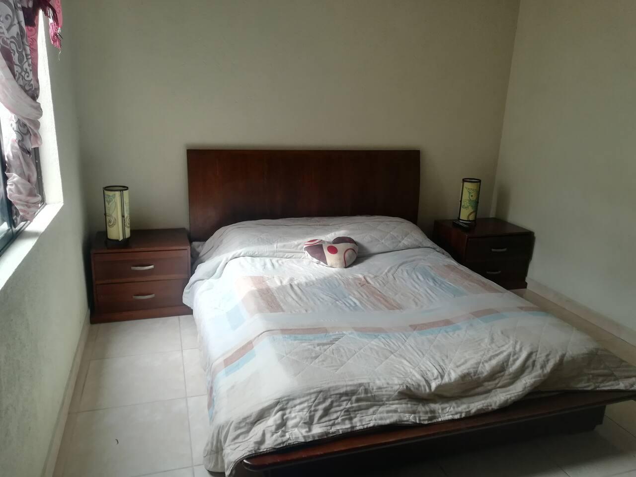 Habitación cómoda para matrimonio o solo