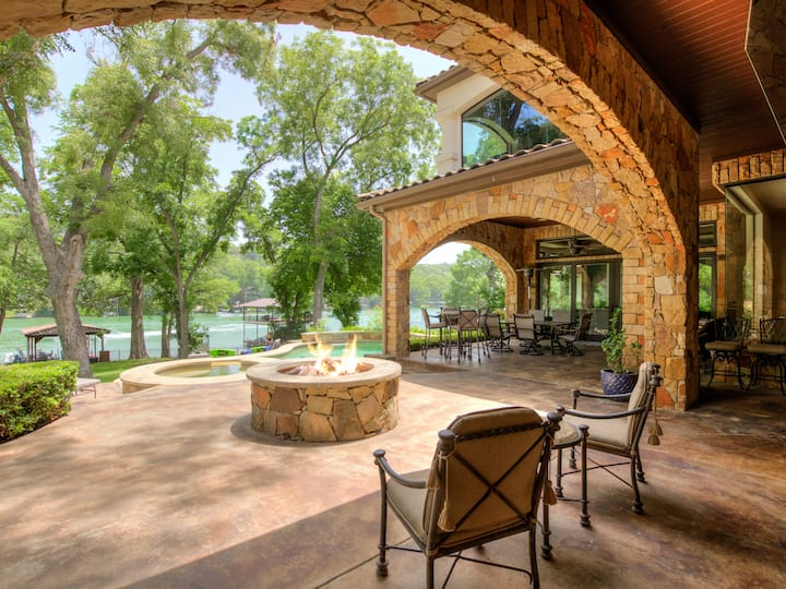 THE ABOVE CASA TRANQUILITY LAKE AUSTIN