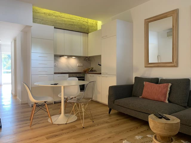 Modern 1 bedroom apartment near Lisbon Zoo