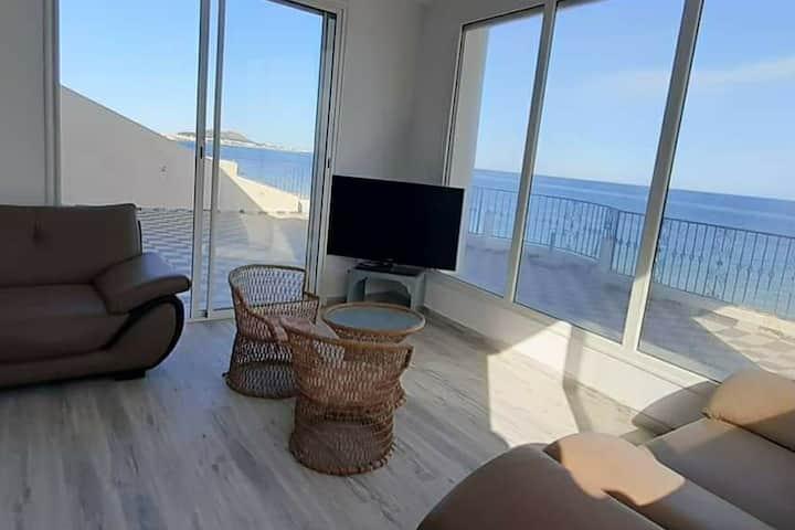 Appartement Luxueux S+1  •Pieds dans l'eau