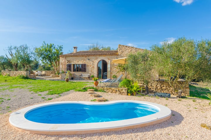 ES CASTELLOT - Villa with private pool in Vilafranca De Bonany. Free WiFi