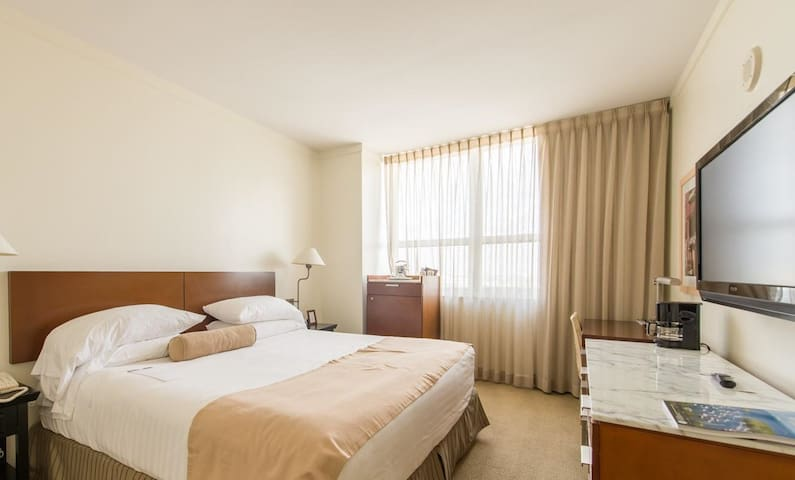 Cozy Room at Sonesta Coconut Grove! Ref 181713