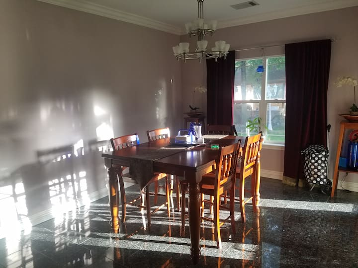 Close to LBJ with pool on 3 acres and secluded