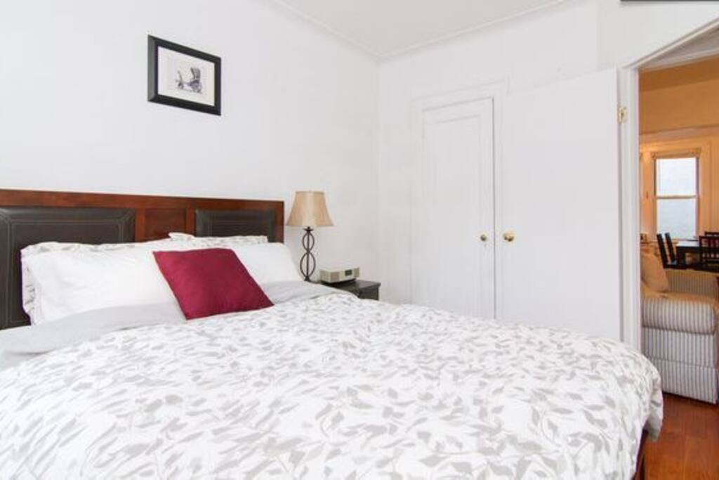 Little Italy Penthouse Piedaterra! Bedroom 1 with Queen size bed.