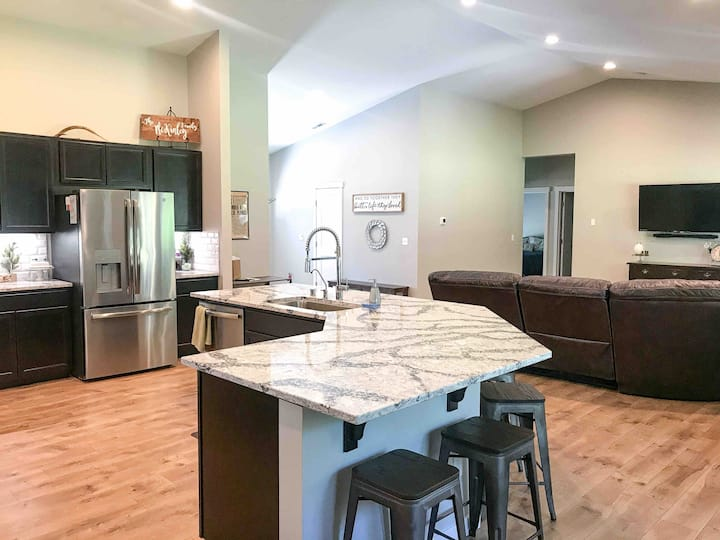 Covered Patio, Open+Spacious,Central Location, A/C