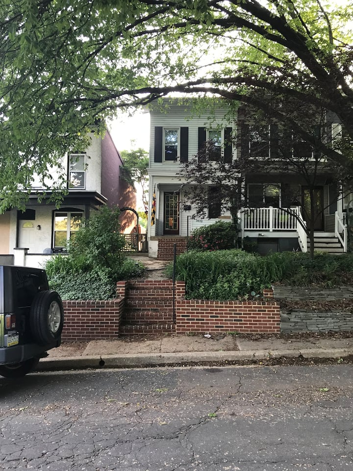 In the heart of Wyman Park-near JHU and Hampden