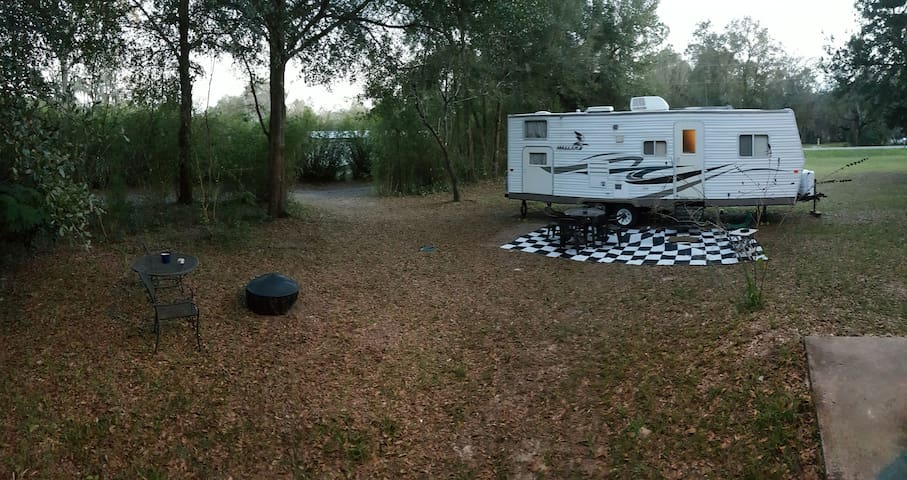 26' Camper with queen and bunks!!  - Green Cove Springs - Hus