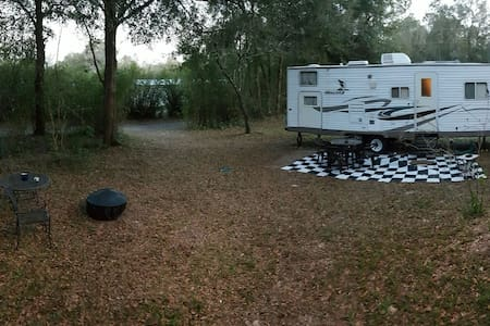 26' Camper with queen and bunks!!  - Green Cove Springs