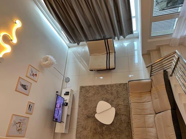 NEW! Minimalistic Nordic Theme Duplex @ De Centrum