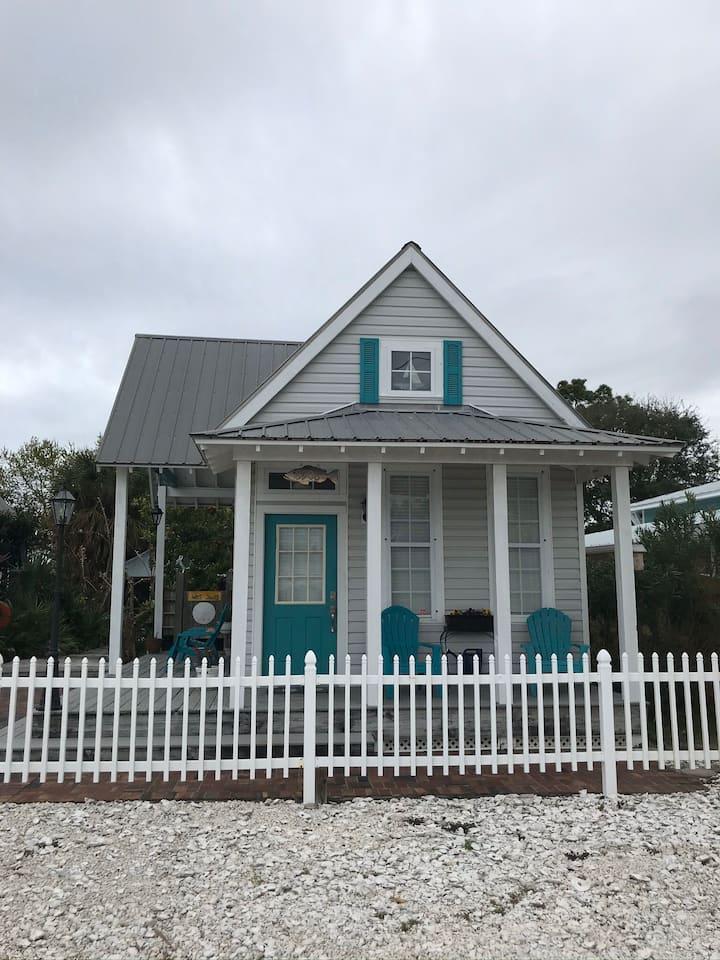Beach House #2 - WALK TO THE BEACH