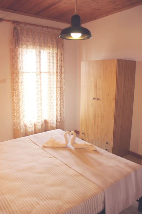 Comfortable Appartment In Votsi Flats For Rent In