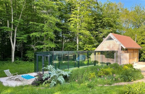 Luxury Pool House set in an Oxfordshire forest