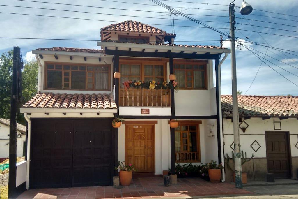 Hermosa casa campestre en la entrada principal de este bello municipio