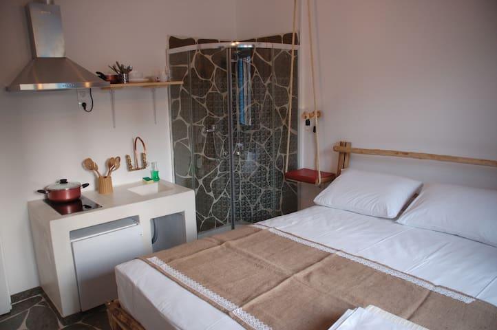 Greek island  handmade flat - Athina - Leilighet