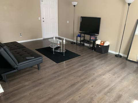 Private room near downtown Summerville