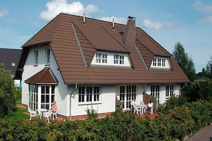 schreiber werner fw 1 apartments for rent in zingst mecklenburg vorpommern germany. Black Bedroom Furniture Sets. Home Design Ideas