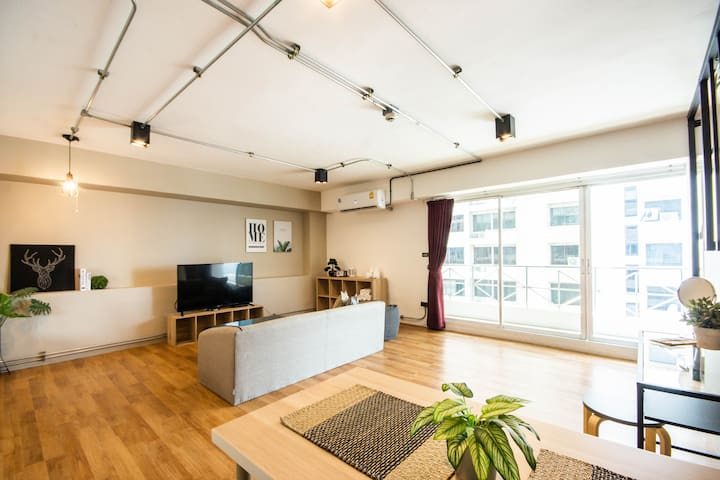 Manhattan Private Home@BTS Ari/Balcony/WholeFloor