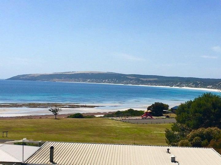 Morry's Beachside Getaway