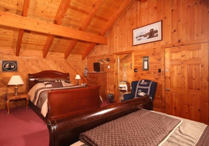 2 Queen Beds-Luxury Suite