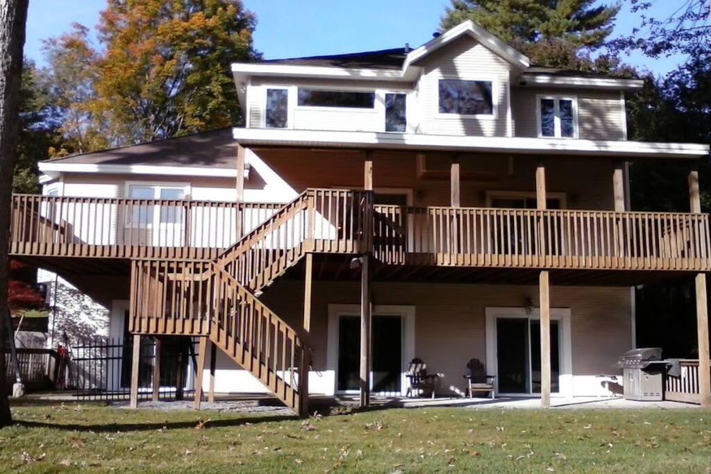 Backyard + Upper & Lower Level Porch/Decks