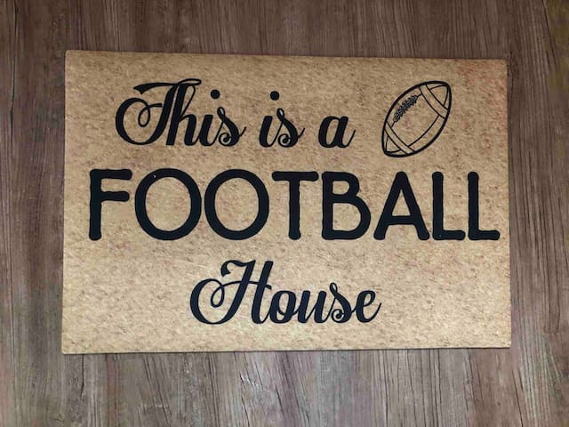 THE FOOTBALL HOUSE. WALK to HOF. Adorable + Clean