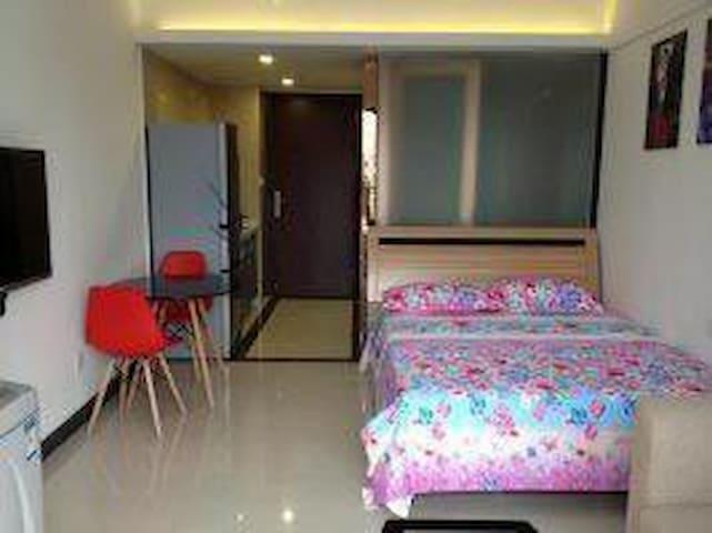 舒适、整洁时尚的公寓。地处中心,可接纳情侣旅行 - Foshan - Wohnung