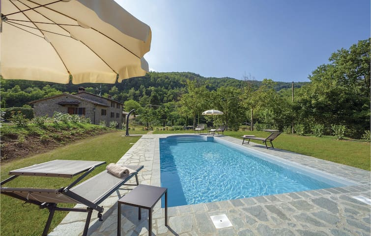 Holiday apartment with 2 bedrooms on 80m² in Cortona AR