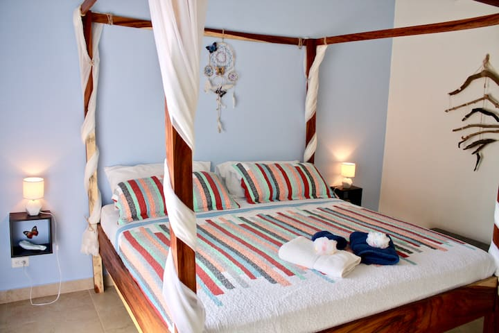 Private Room Close to Beach and Amenities