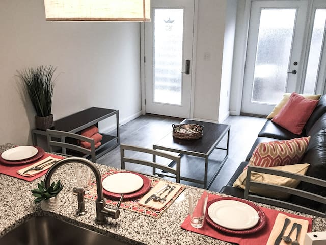 2 BR Townhouse in the heart of OSU Campus - Columbus - Apartamento