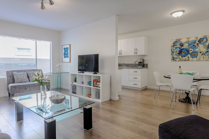 West Hollywood Double Suite l Remodeled