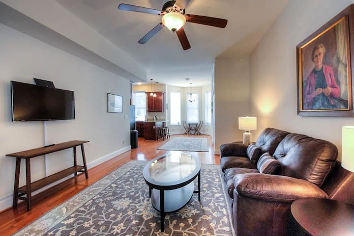 Historic 2 BR by Jefferson Hotel Free Park 104-2
