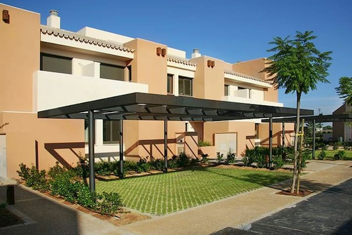 Townhouse with 20 min of Cadiz with luxury qualiti - Puerto Real - Casa