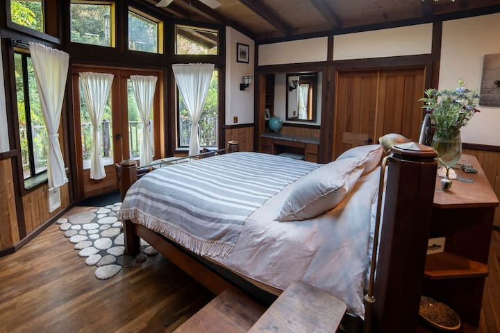 Dream Suite at Myrtle Glen Farm