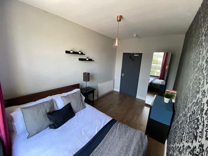 Room 9, Cally Road