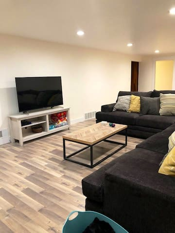 Remodeled Millcreek Basement Apt- No Cleaning Fee
