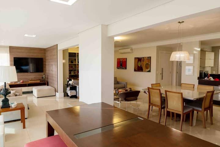 Luxuoso apartamento próximo ao Ribeirão Shopping