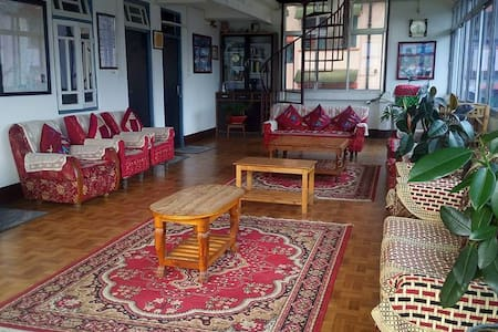 Tara's Urban Homestay in Gangtok- a homely stay - Szoba reggelivel