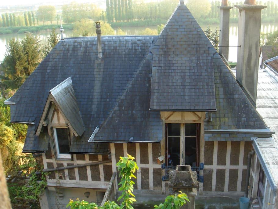 maison atypique houses for rent in la frette sur seine le de france france. Black Bedroom Furniture Sets. Home Design Ideas