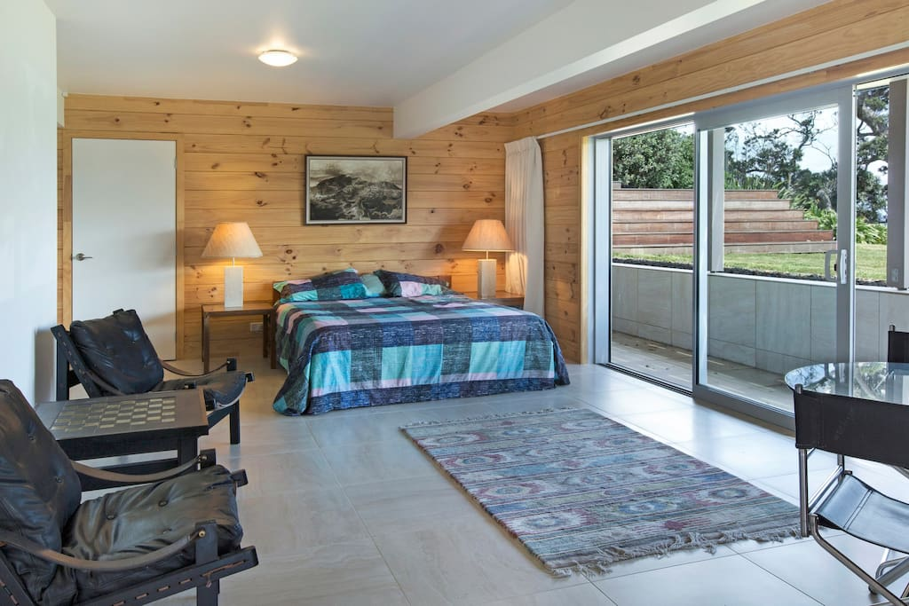 Super king bed, single next room