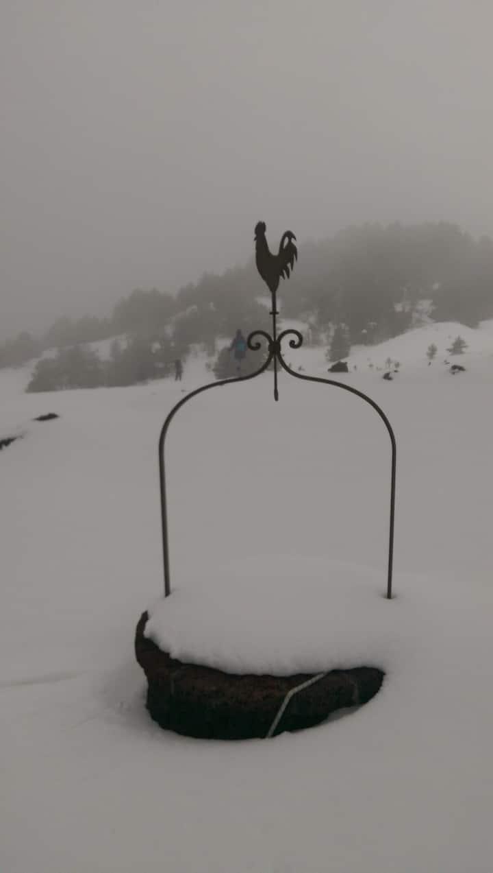 Pozzo sommerso dalla neve