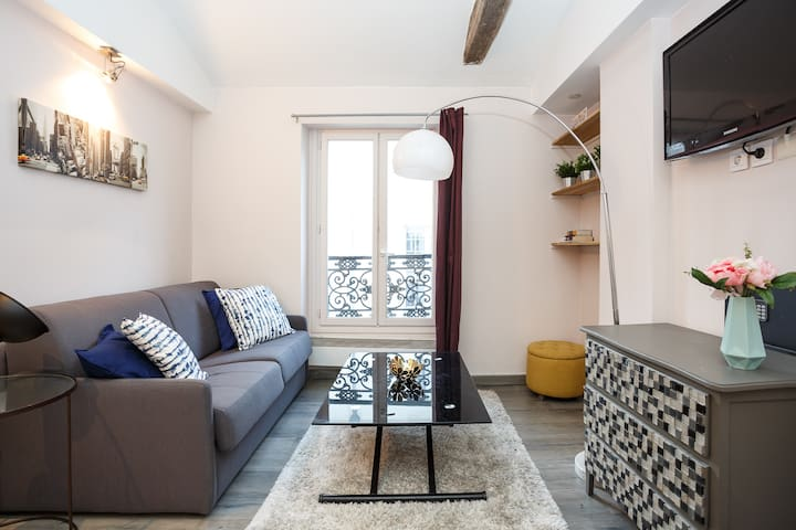 Marais -  Bright & Central 1 Bedroom