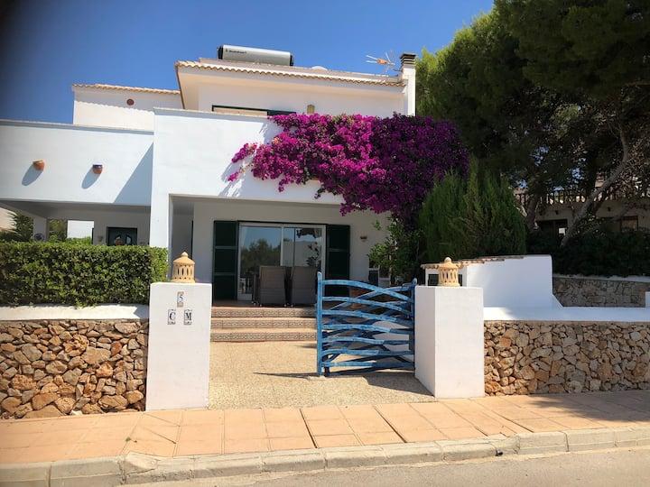 Luxury detached Villa w/ Heated pool in Cali Moli