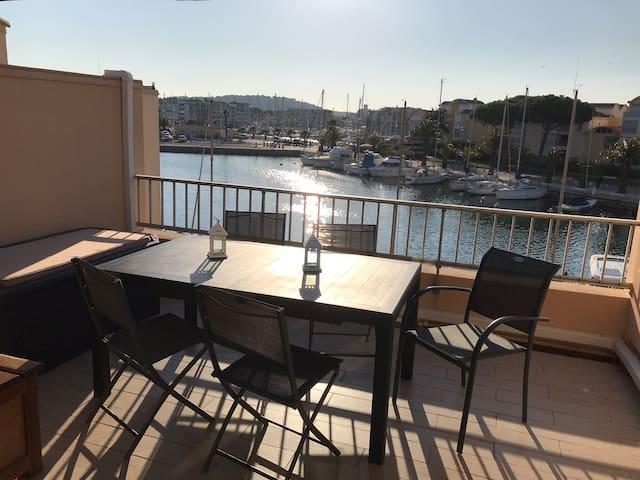Appartement avec une vue agréable et ensoleillée