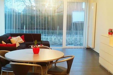 Splinter nieuw, modern appartement! - Ruiselede - Lägenhet